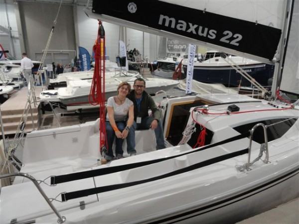 Her ses bl.a Szymon Kuczynski , ombord på en Maxus 22, som han ,med lidt modifikationer, forventes at sejle Jorden rundt i.
