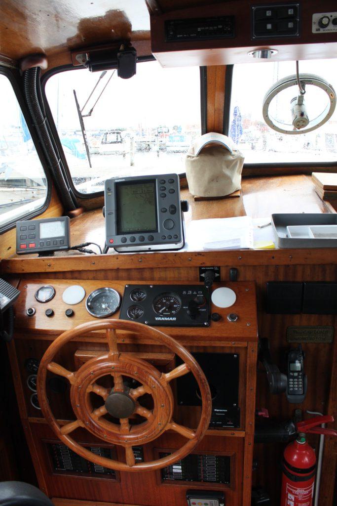 Pamla 37 motorbåd kanalbåd husbåd (16)