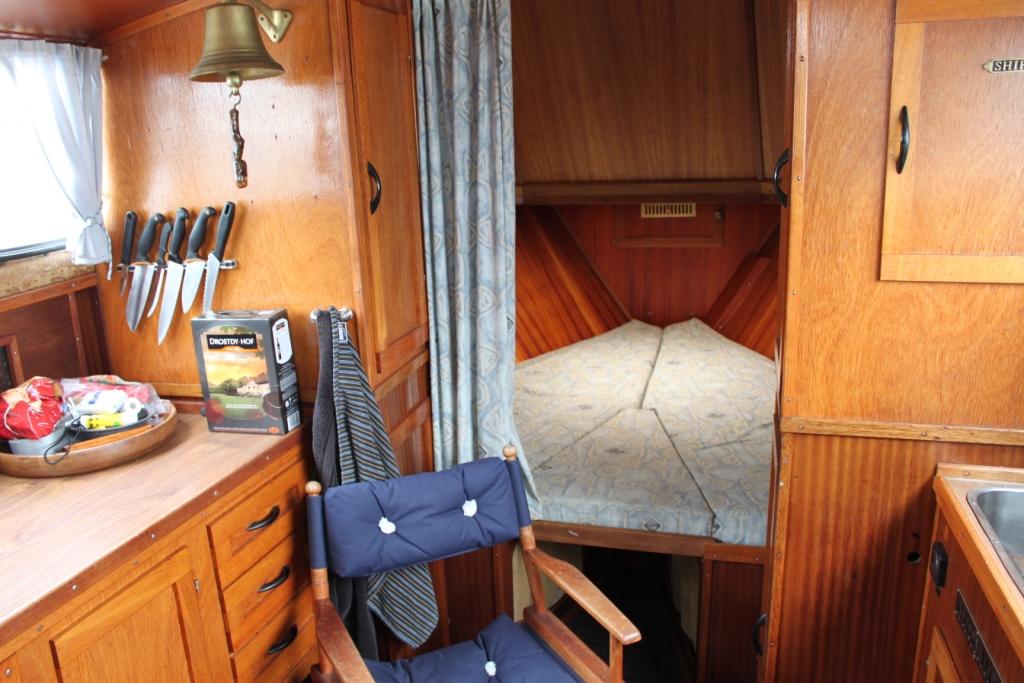 Pamla 37 motorbåd kanalbåd husbåd (39)