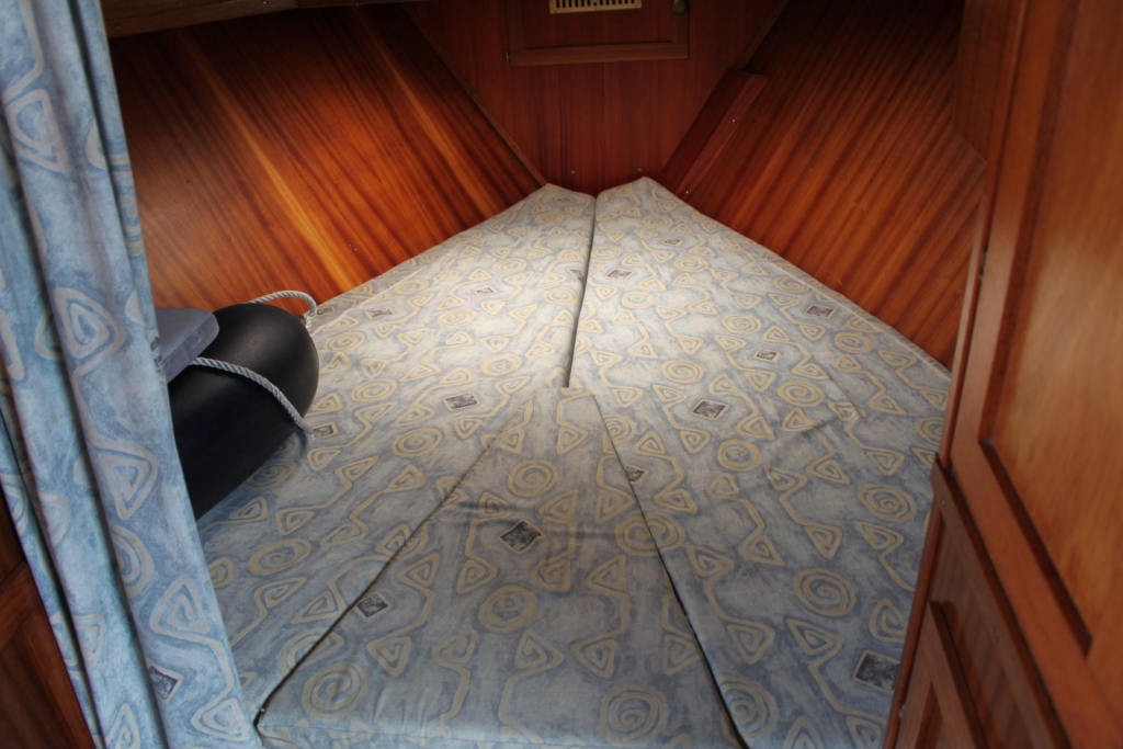 Pamla 37 motorbåd kanalbåd husbåd (64)