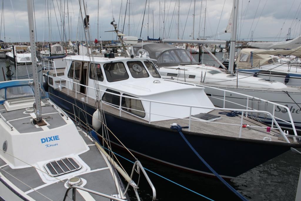 Pamla 37 motorbåd kanalbåd husbåd (70)