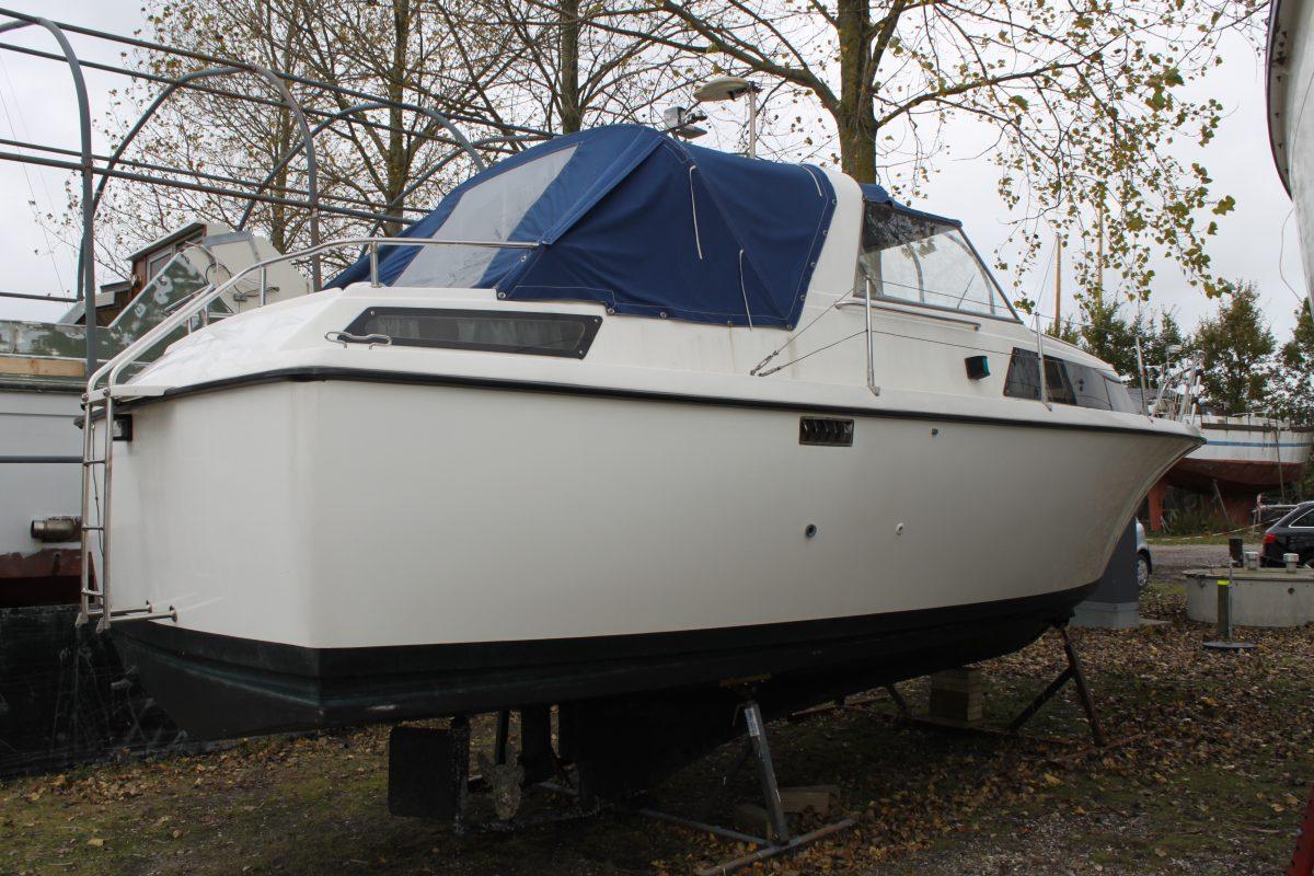 Økonomisk motorbåd