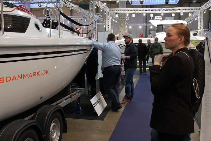 Maxus 22 udstillingsbåd Boatshow 2015 (2)