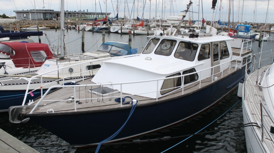 Pamla 37 motorbåd kanalbåd husbåd hollandsk flodbåd
